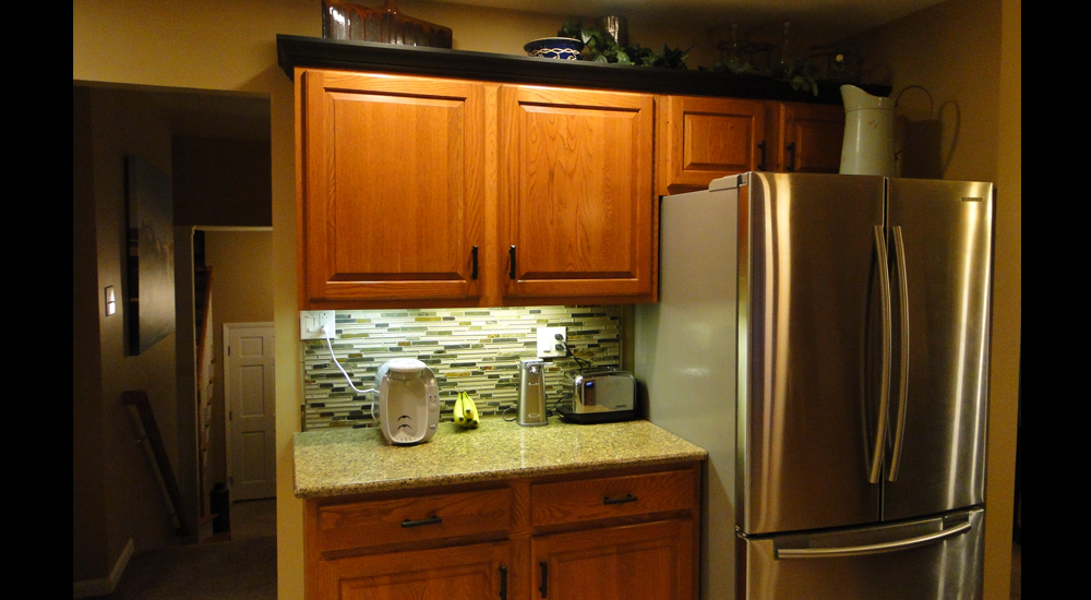 And, once again, tiling and under-cabinet lighting spruce this kitchen up
