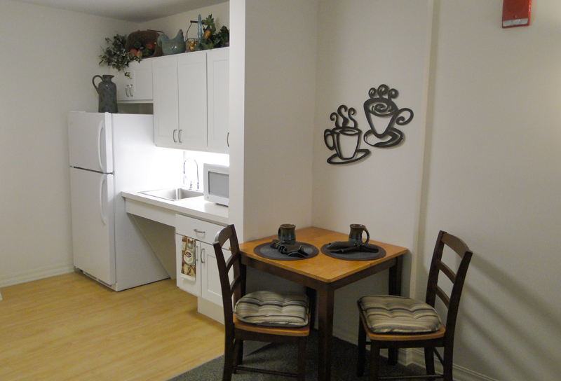Eating area next to the kitchen
